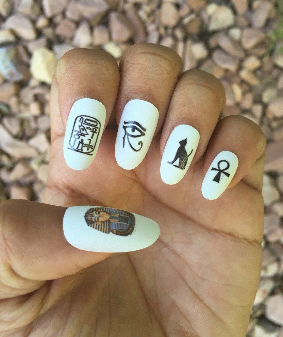 Картинки на ногтях иероглифы