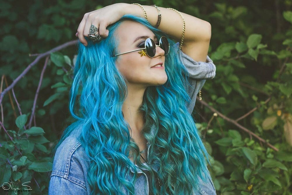 прикольные картинки юлька с синими волосами популярным гастрольным транспортом