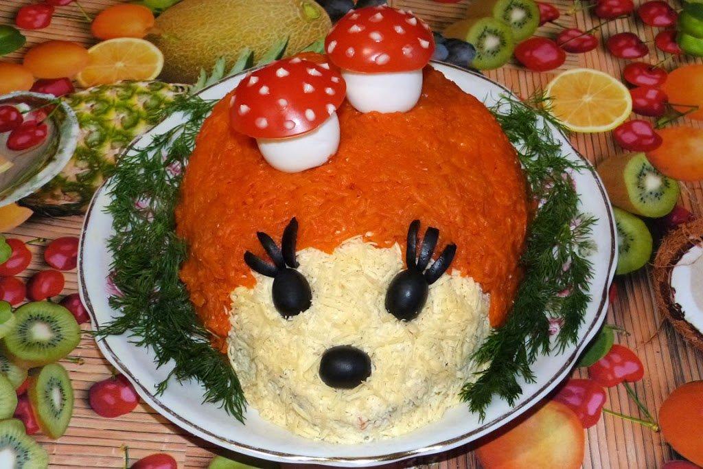 Салат – вкусное и очень простое блюдо, которое украсит праздничный стол по любому поводу.
