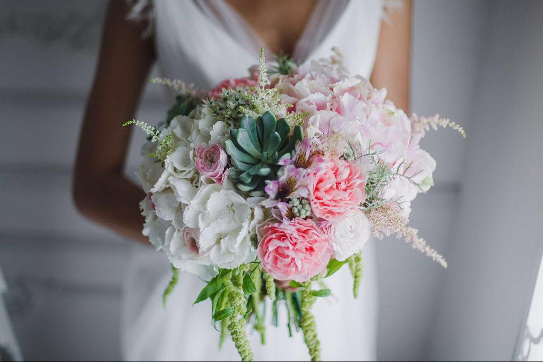 Недорогие свадебный букет для невесты фото 2017