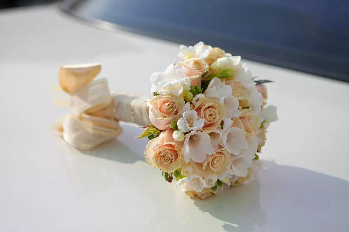 Цветы, маленькие букеты невесты в коробках