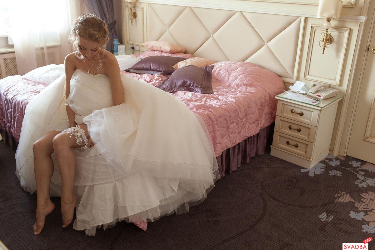 невеста в кровати видео прилагаются, даже пизду