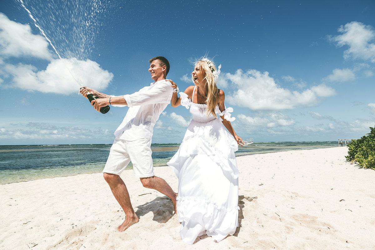 большую фотографы на свадьбу доминикана делается сверху