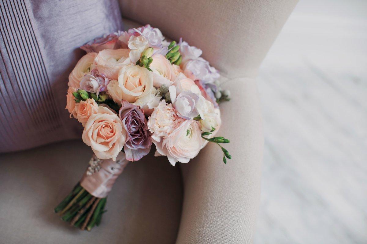 Маленькие букеты невесты в коробках
