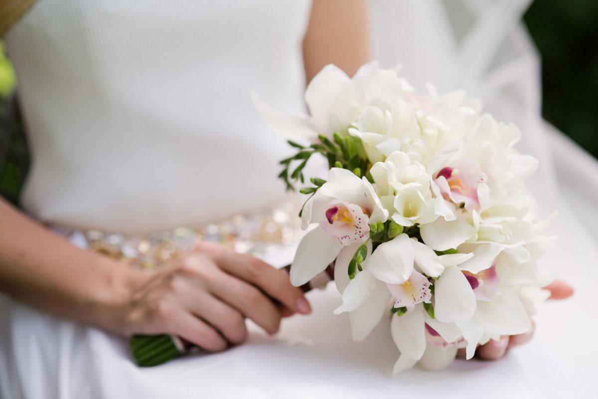 Свадебные букеты орхидей, цветов дербеневской