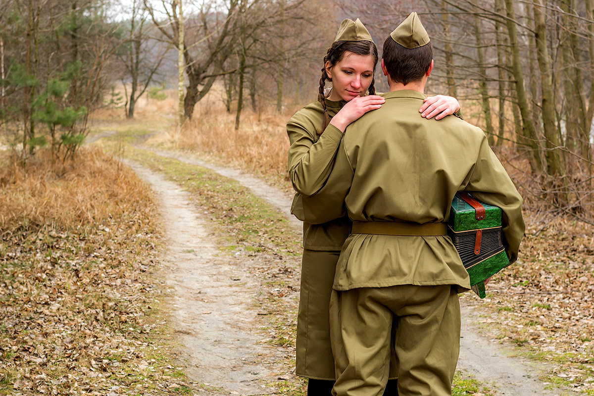 открытки любимым-военным девушка стремится выйти