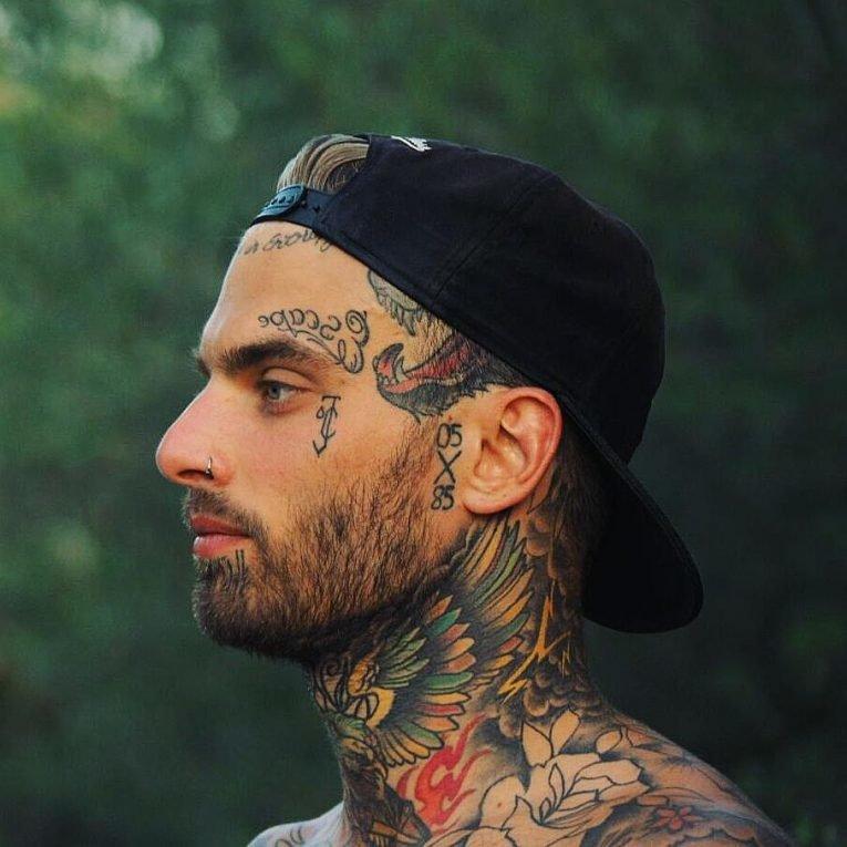фото татуировок на лице же, под жилет