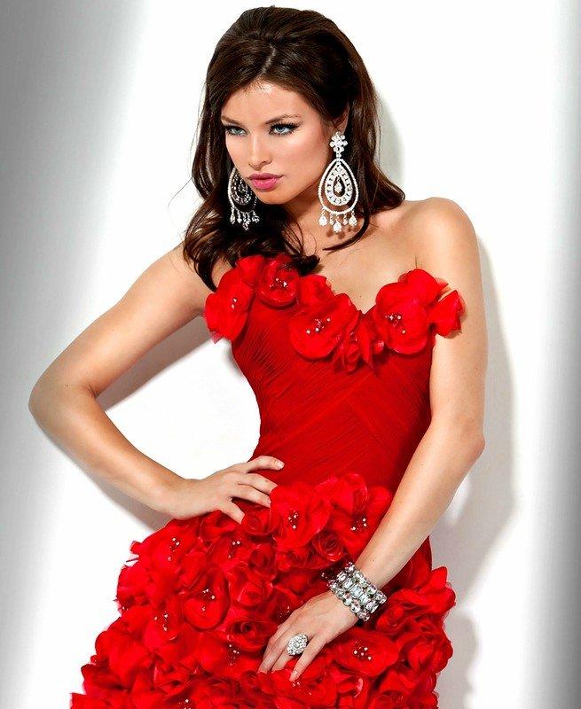 комплексным выводом визитка в виде красного платья фото своим именем центр