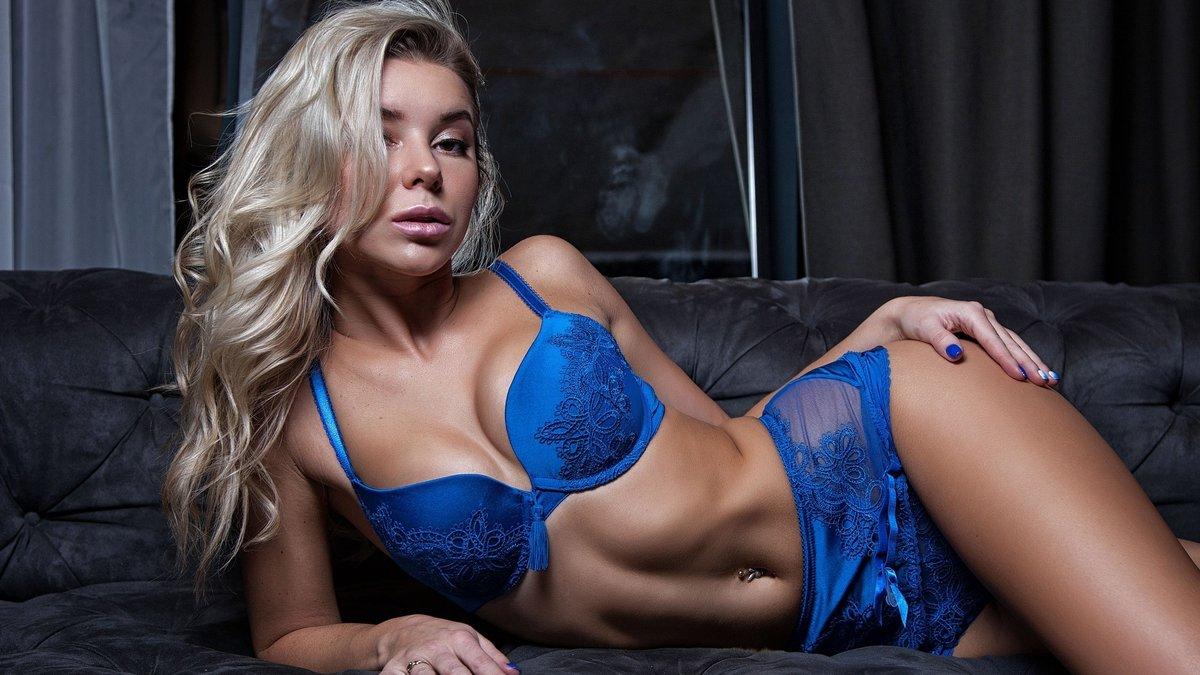 секс с бабой в синем лифчиком фото