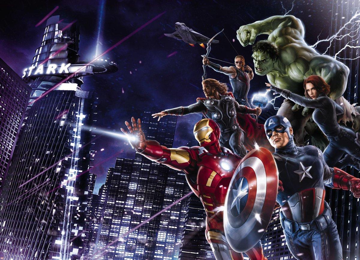 Картинка с супергероями марвел, днем защитника