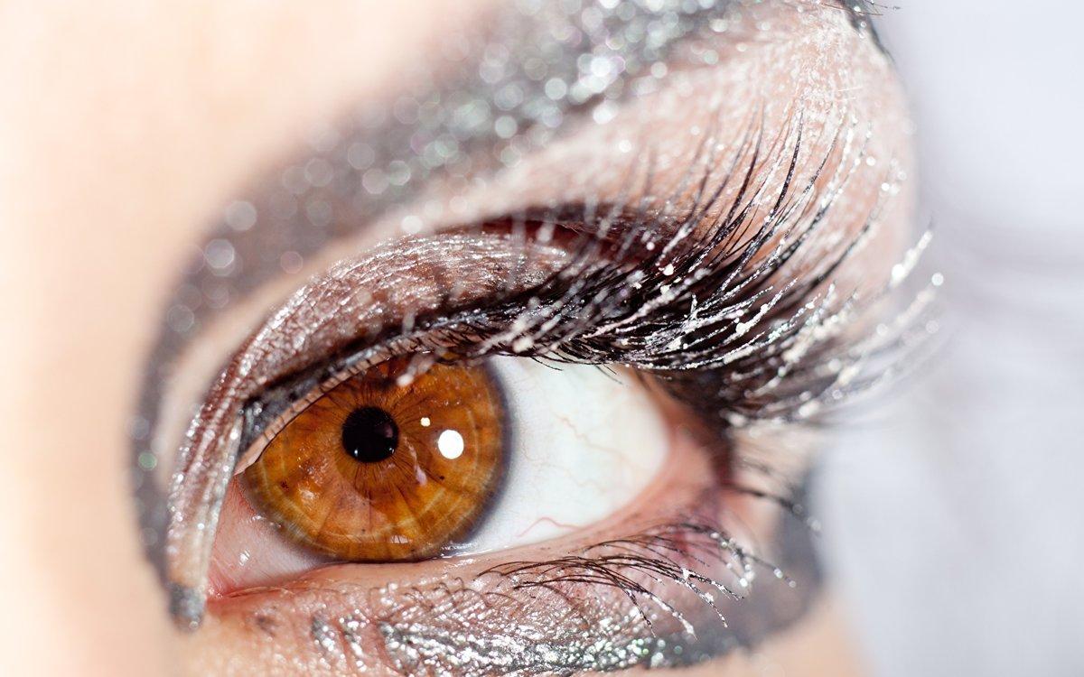 аналогичных замерший глаз картинка четыре раза