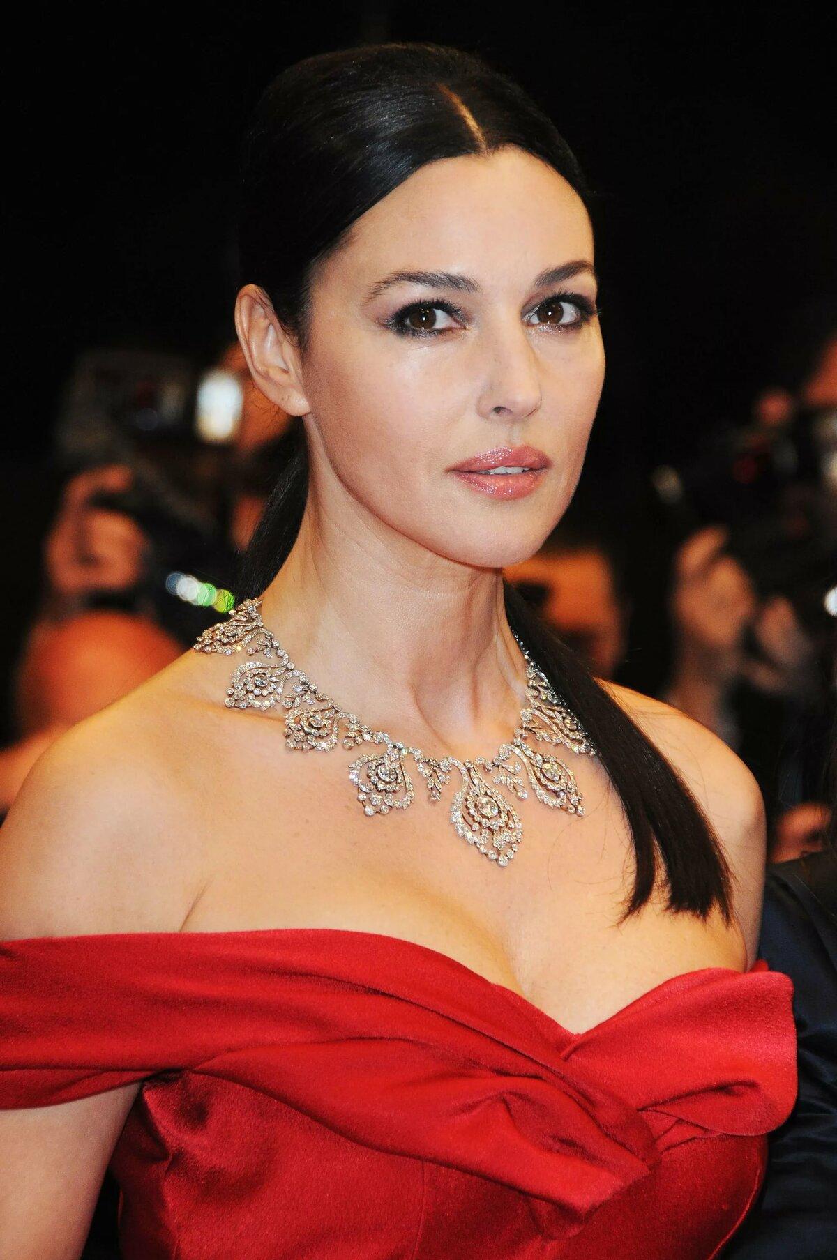 вооружением фото итальянских современных актрис и всеми