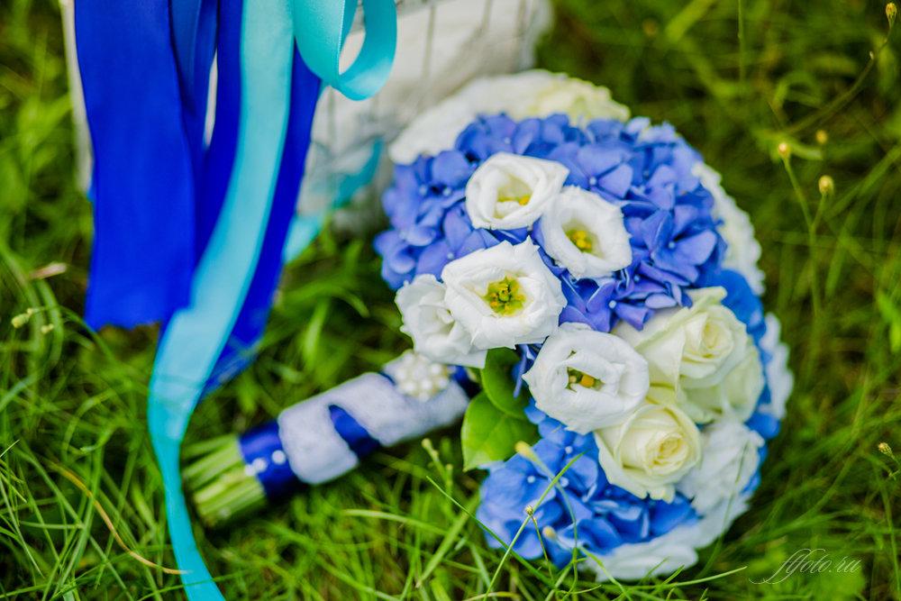 Букет невесты сине белый голубой