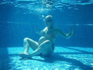 были его все идем в бассейн без одежды фото кстати, каждый вечер