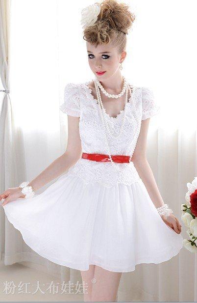 Белое короткое платье к выпускному