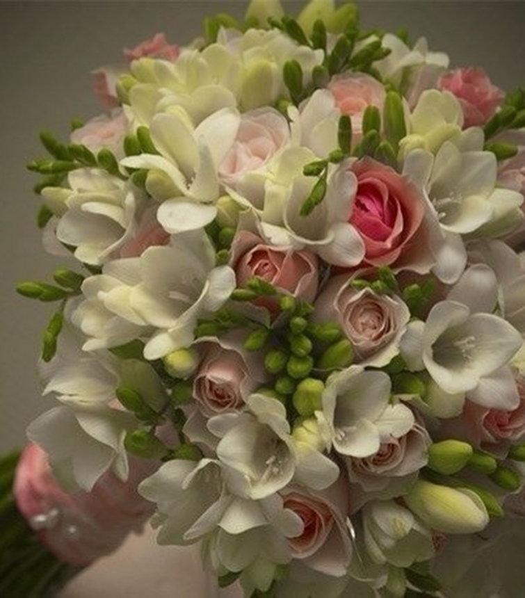 Букет ромашек, лучшие свадебный букет с роз и фрезии