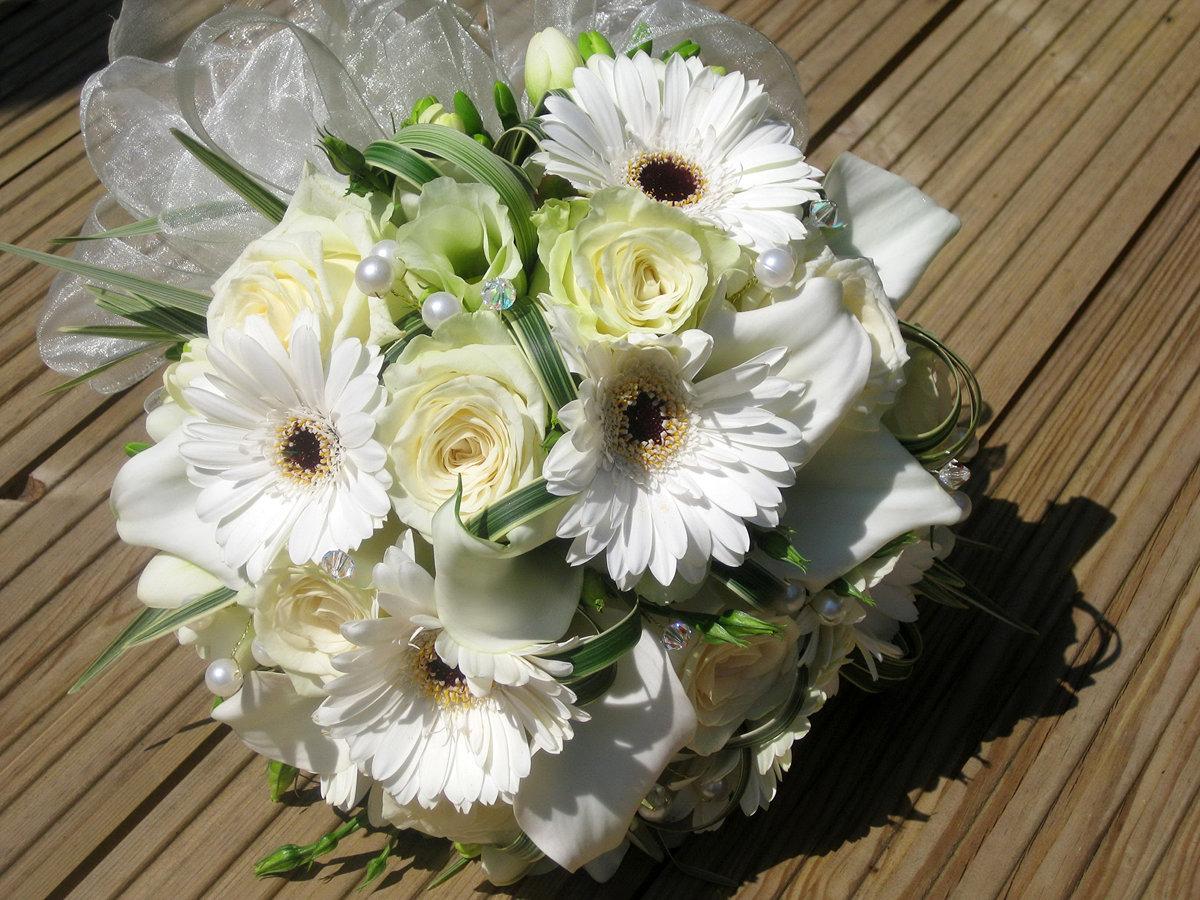 Свадебные букеты из белых гербер, крыма каталог винница