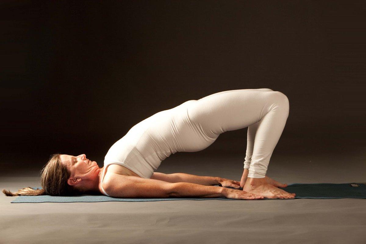 Смотреть йогу голую видео прочитал