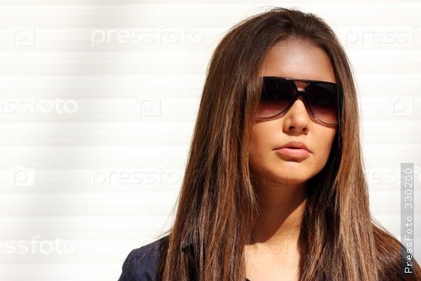 «Девушка в солнцезащитных очках» — карточка пользователя dia4732009 в  Яндекс.Коллекциях 7f795992989