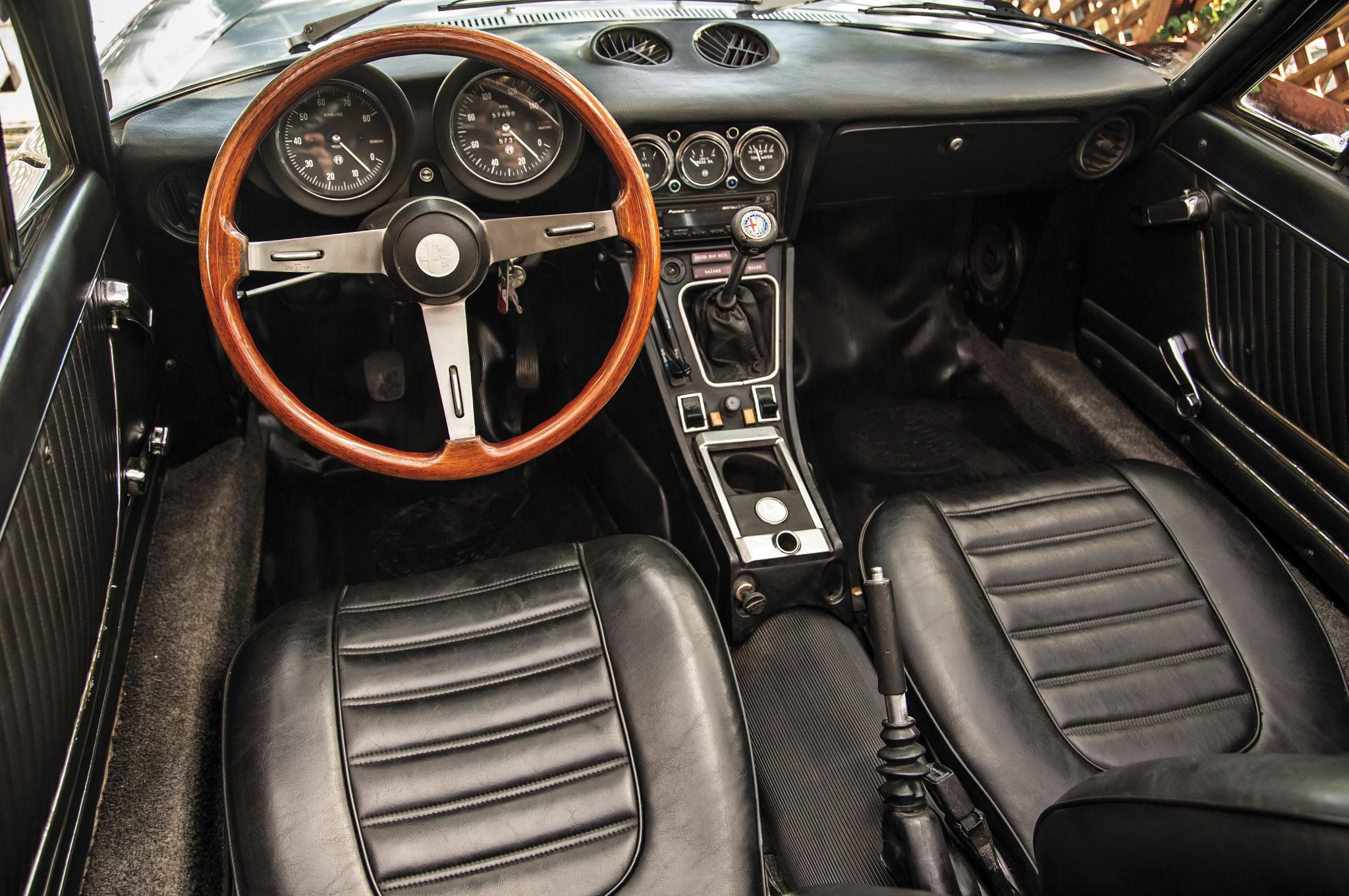 "1974 Alfa Romeo Spider интерьер "" — card from user DySp0 in Yandex"
