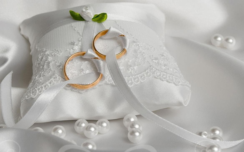 Открытка на свадьбу с кольцами