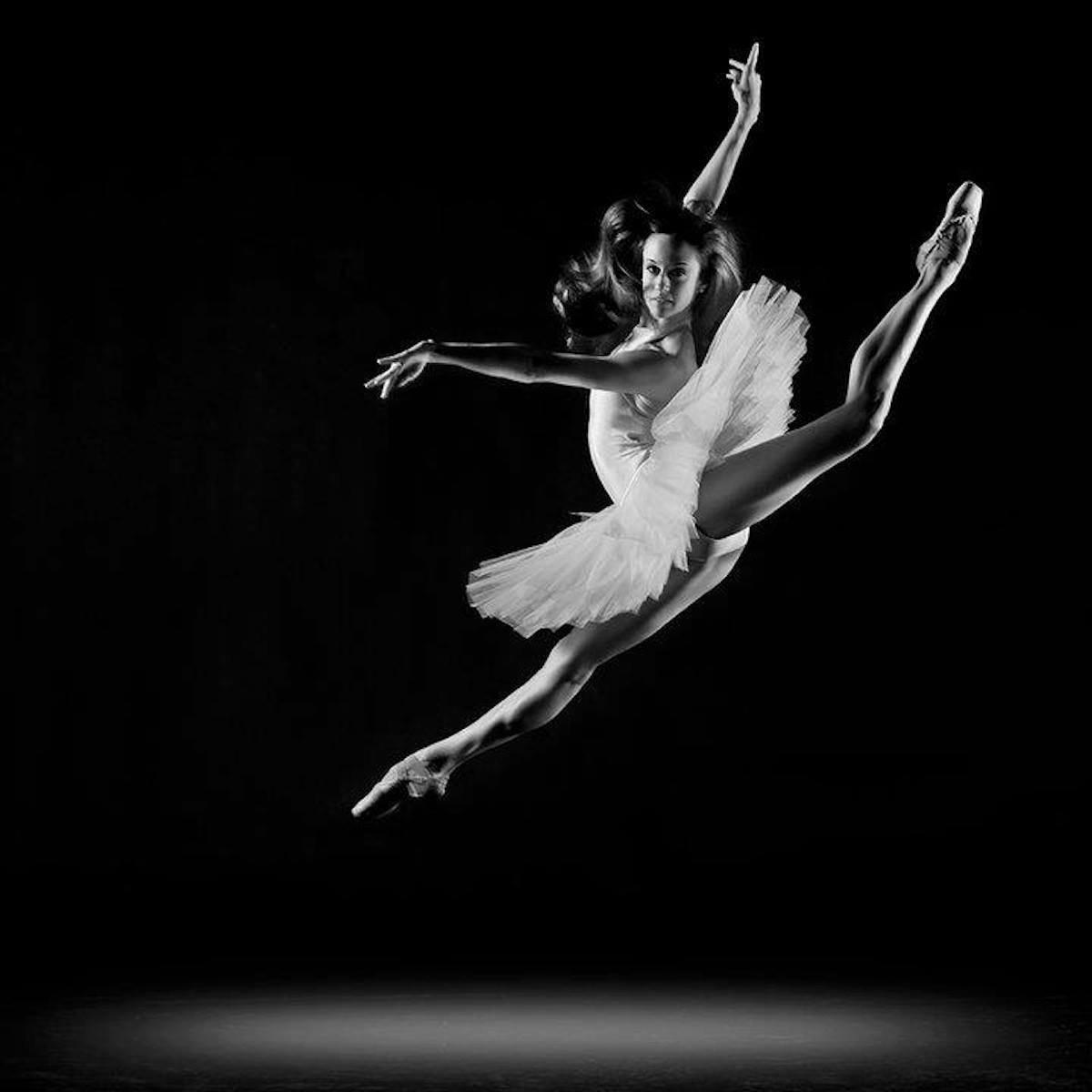 меня картинка балерина черно белая картинка три минуты попасть