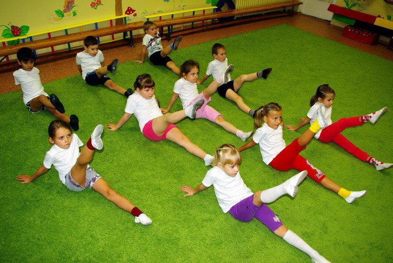 Картинки занятий с детьми физкультурой