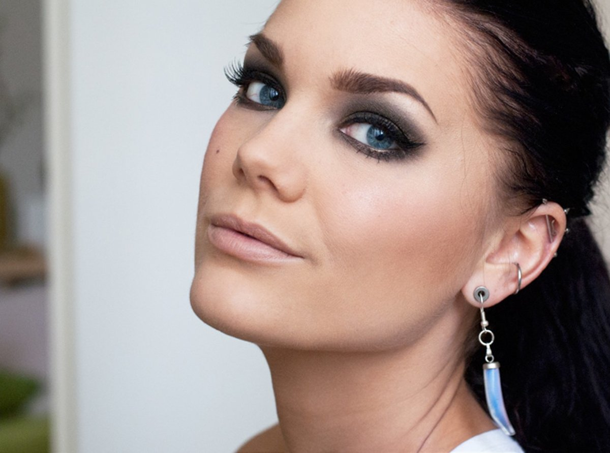 Красивый макияж для карих глаз Пошаговое фото 21