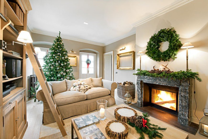 картинки с елкой и камином в доме фото аэродроме малино блестящая