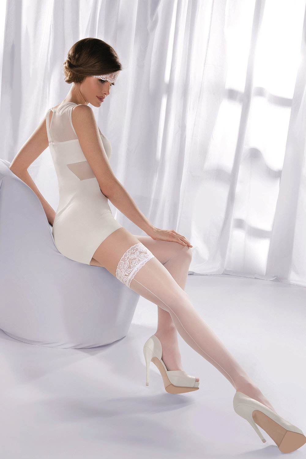 white-support-pantyhose-real-young-naked-model