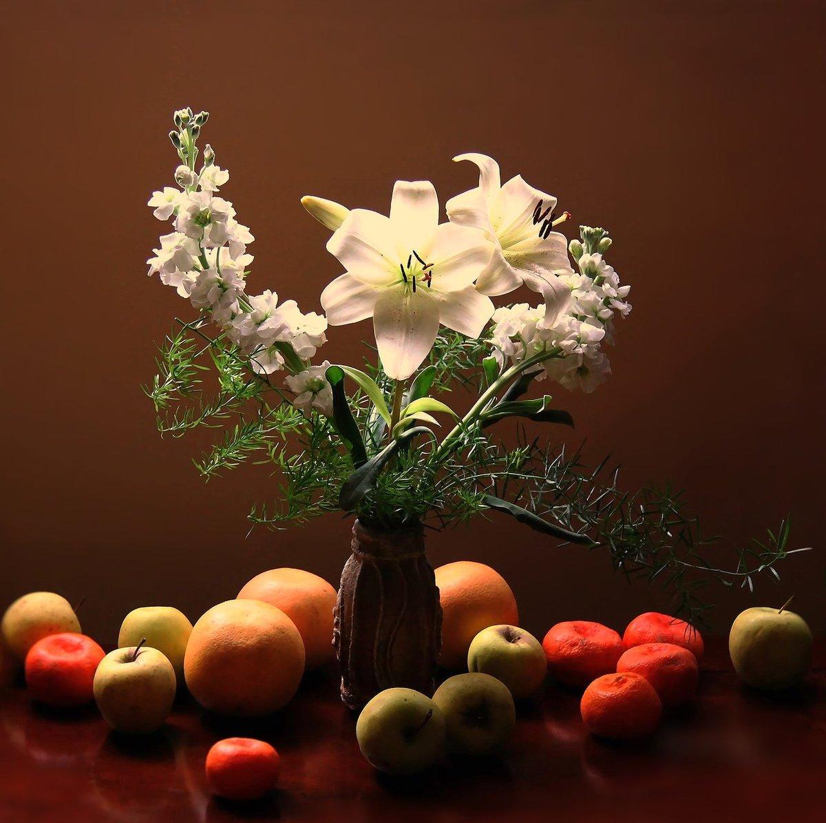 натюрморт фото фрукты цветы интерьере магазина должны