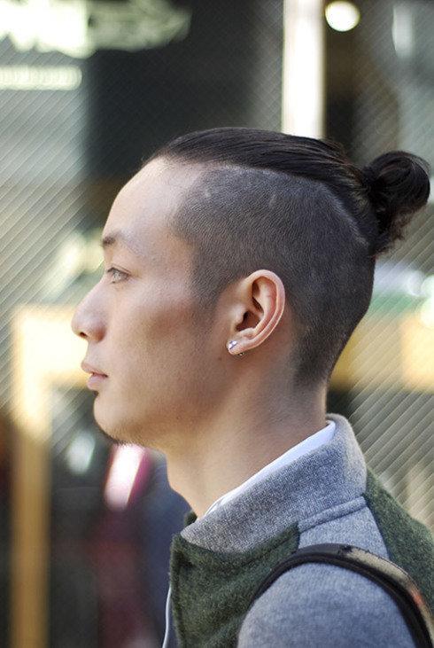 Модные и оригинальные мужские стрижки года помогут скрыть некоторые недостатки во внешности и подчеркнуть красивые мужские черты лица, которые заслуживают особого внимания.