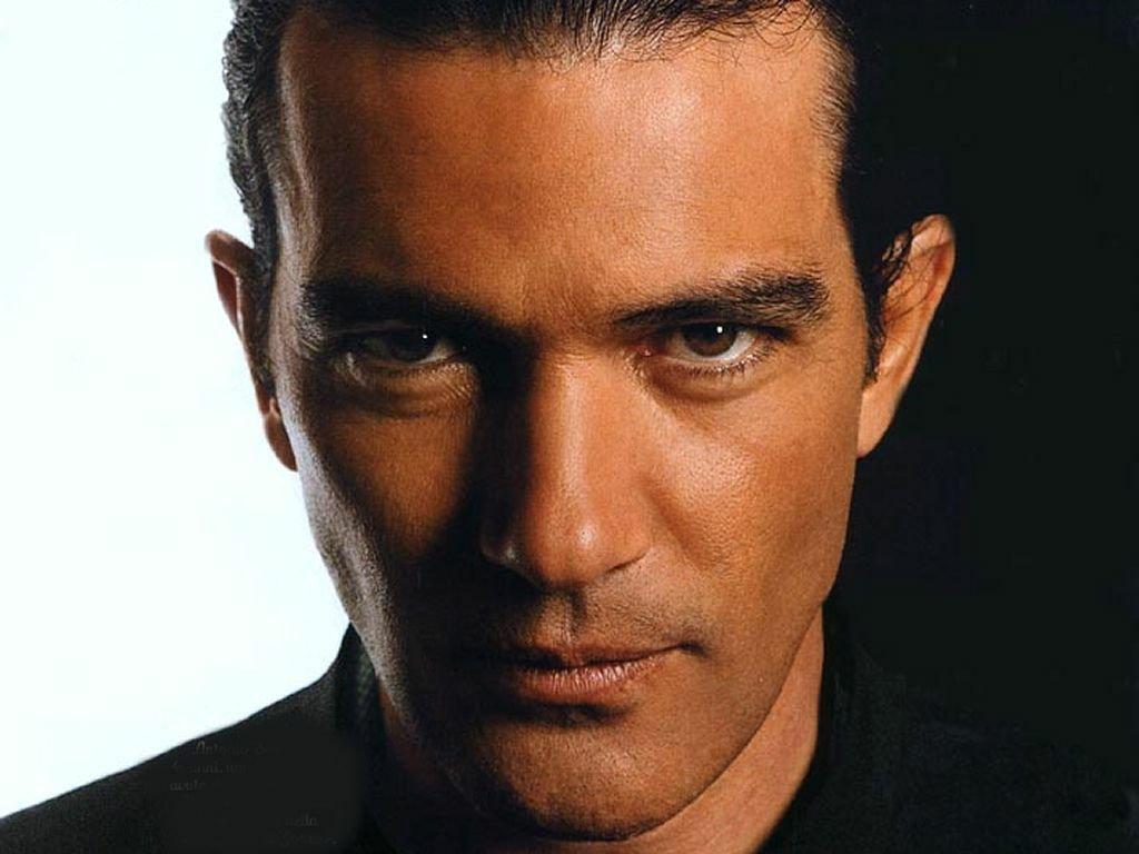 либо знаменитые актеры голливуда мужчины фото играла покер