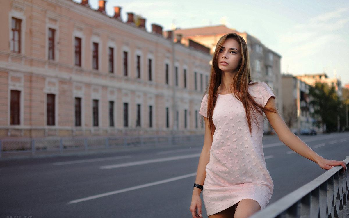 фото девок на улице