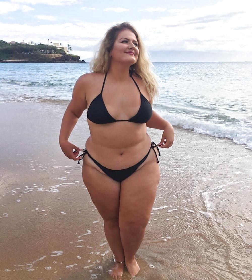 фото толстых женщин голых на пляже