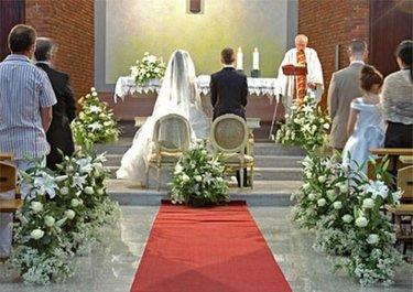 украшение католической церкви для свадьбы