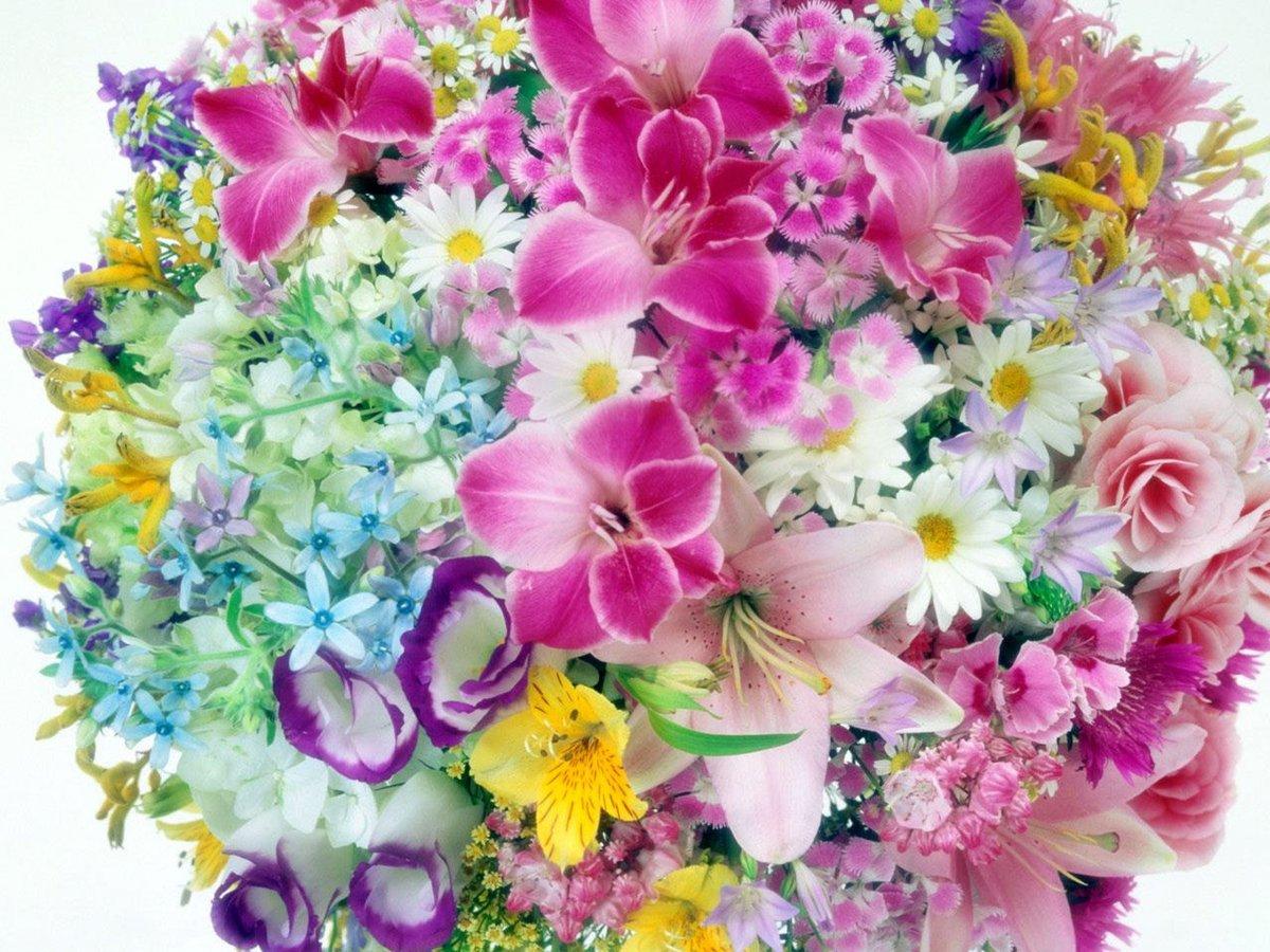 Открытка с букетами цветами