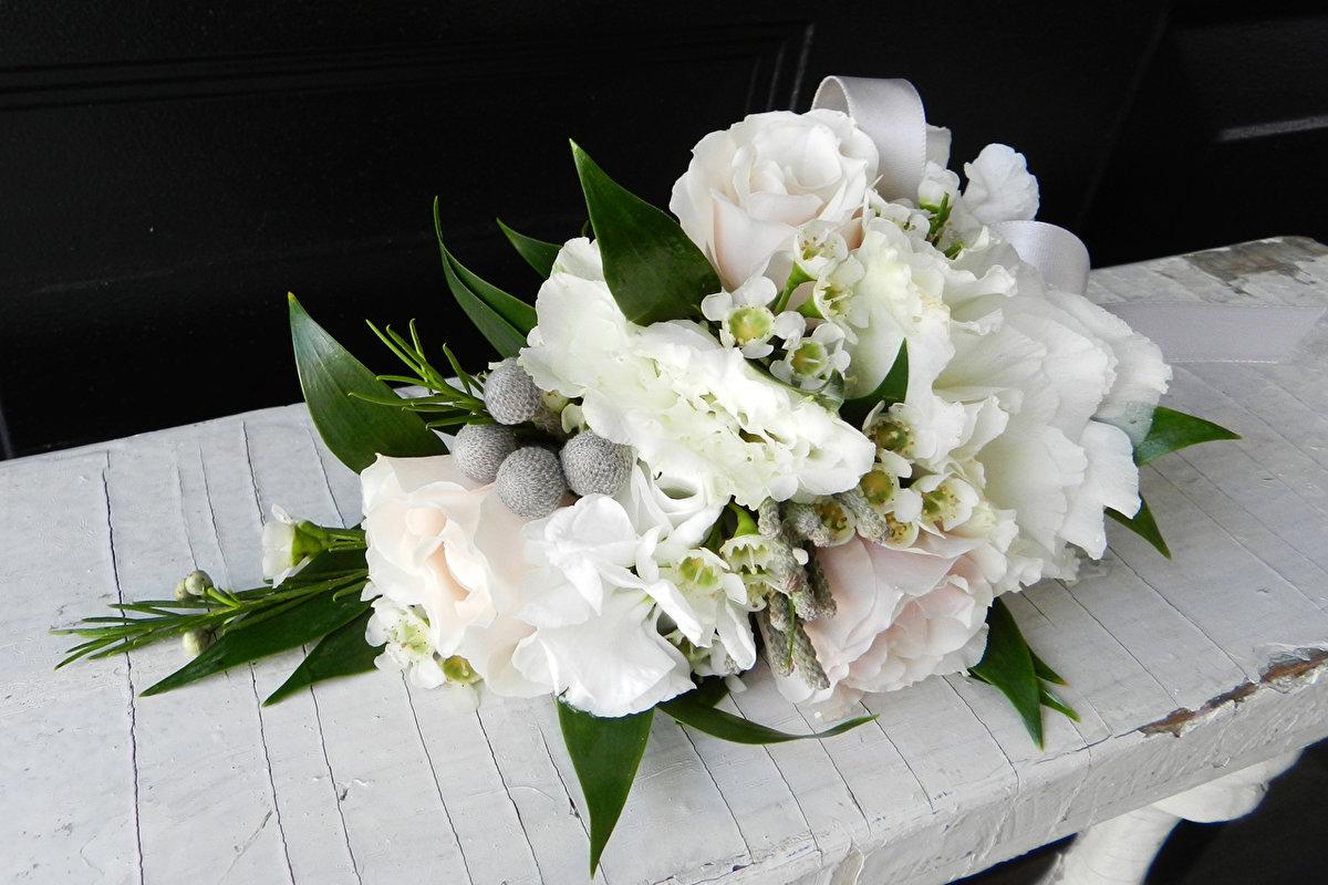Букеты с белыми цветами картинки