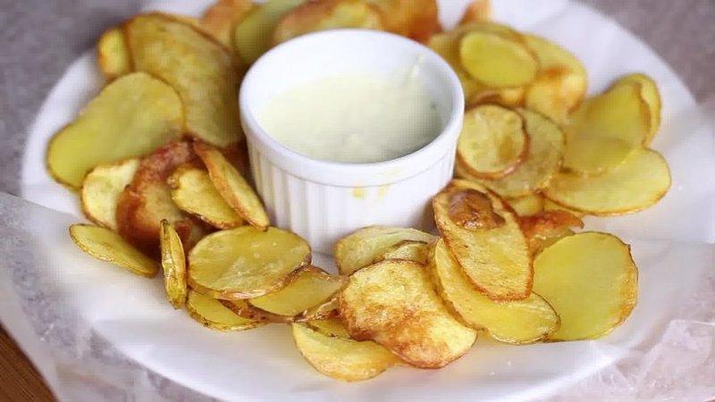 Картофельные чипсы на сковороде рецепт пошагово в домашних условиях 37