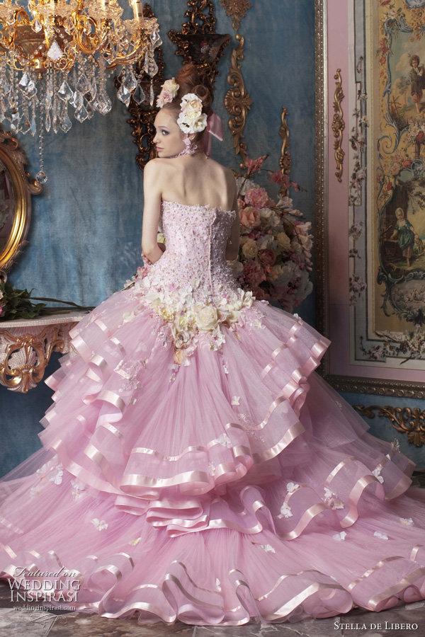 Картинки принцессы в пышных платьях