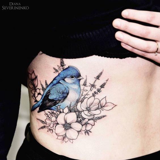 Тату на ключице птицы для девушек фото