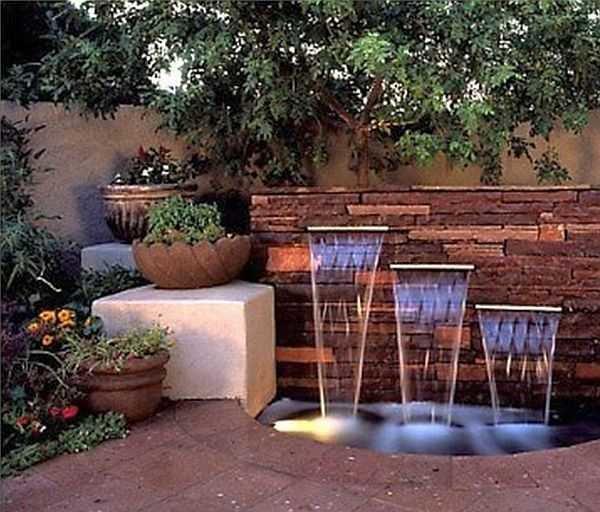 Лучшее средство украсить участок - сделать фонтан. Если делать его своими руками обойдется он в несколько тысяч - зависит от размера. Идей море, выбирайте