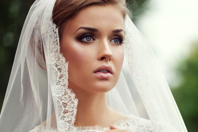 Отличный вариант свадебного макияжа.