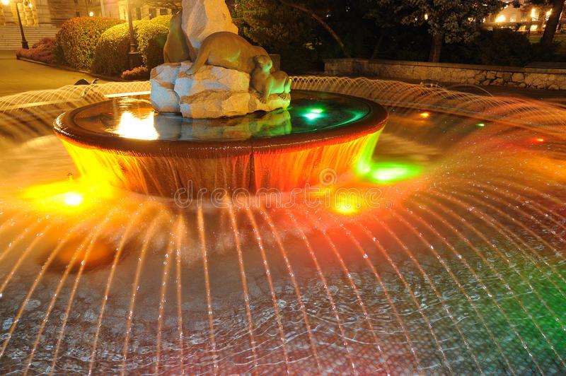 ночь освещения фонтана