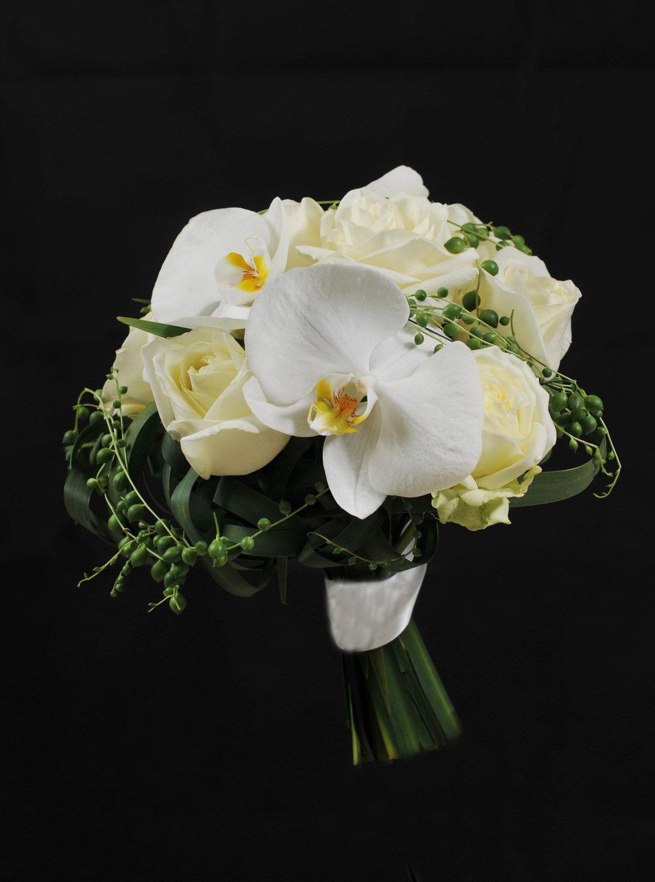 Свадебный букет из дикие орхидеи и розы, все