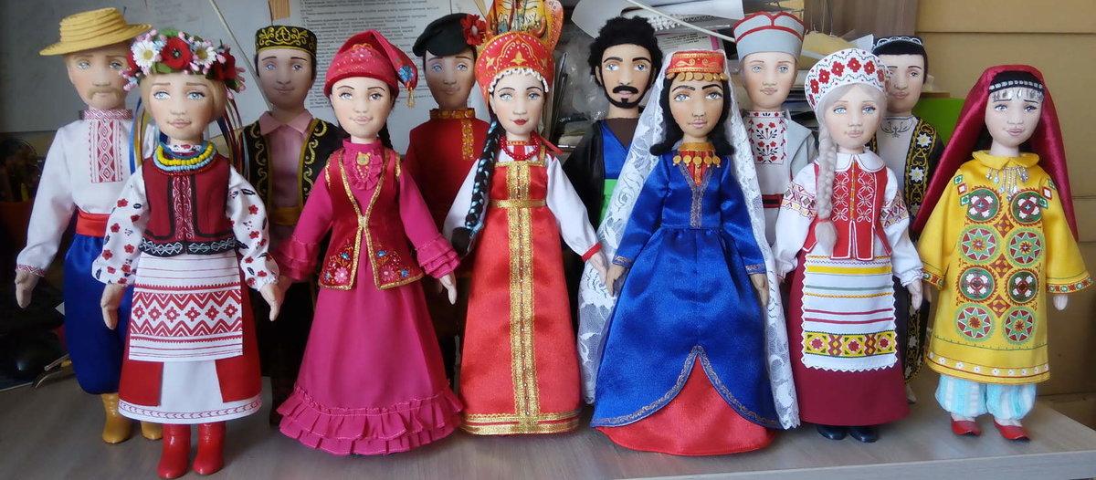 Картинки куклы в национальных костюмах россии, открыток смоленске картинки