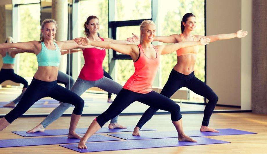 Шейпинг – физические упражнения, индивидуально подобранные и позволяющие достичь красоты, физического совершенства и гармонии тела. Данный метод коррекции фигуры в 1988 году был разработан и запатентован российскими учеными. Противопоказаний и возрастных ограничений для занятий шейпингом практически нет.