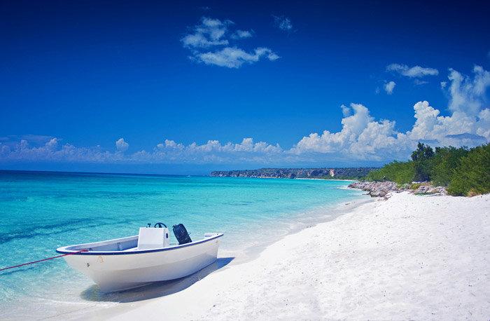 В мире есть тысячи невероятно красивых пляжей и практически невозможно выделить лучший. Ведь в каждого разные предпочтения: песок или галька, шумные пляжи с дискотеками, или тихие и уединенные. Но, тем не менее, такие рейтинги, как лучшие пляжи мирапроводятся постоянно и на их основе мы создали свой список. 1. Мексика, Тулум