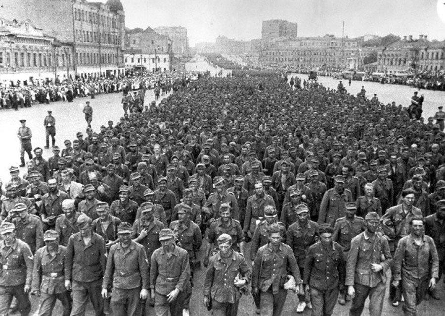 Бессмертный полк, как символ поражения нашей страны