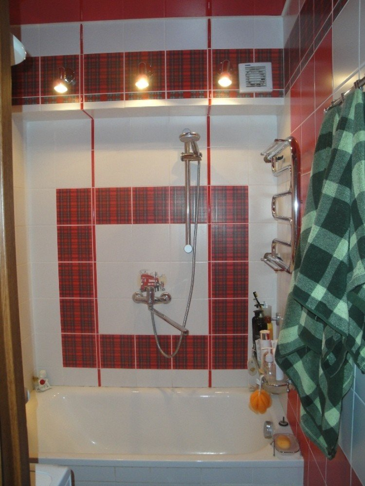 стиль шотландия в ванную комнату в клеточку